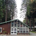 The Woodsman Hotel and Lodge Mount Shasta