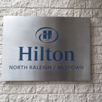 Hilton North Raleigh/Midtown resmi