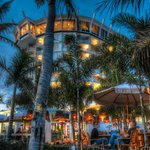 Bongos Beach Bar & Grille