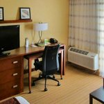 Courtyard by Marriott Beckley resmi