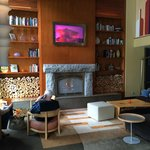 Lobby with fireplace at Hotel Andra