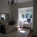 Room from entry door (Ponsonby)