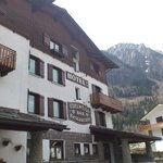 Photo de Albergo Edelweiss