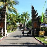 Photo de Aneka Lovina Beach Hotel