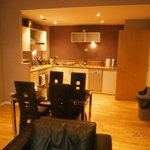 Glasgow Central Apartments resmi