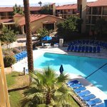 Embassy Suites Hotel Palm Desert Resort resmi