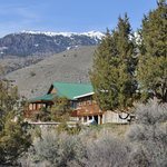 North Yellowstone Lodge and Hostel Foto