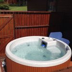 Conifer lodge 3 hot tub