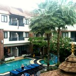 P. P. Palm Tree Resort resmi