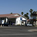 Casa Grande Motel 6 and Golden 9 Restaurant Entrance