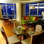 Union Square Shanghai Marriott Executive Apartments Foto
