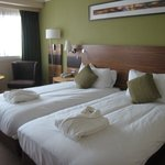 Twin bedded room 2