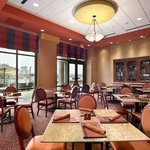 Foto de Embassy Suites East Peoria - Hotel & RiverFront Conf Center
