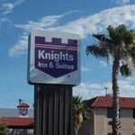Knights Inn and Suites Del Rio resmi