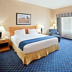 Holiday Inn Express Hotel & Suites Cheney - University Area Foto