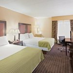 Photo de Holiday Inn Express Charleston / Southridge