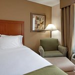 Photo de Holiday Inn Express Chapel Hill