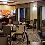 Photo de Holiday Inn Express Bridgewater - Branchburg