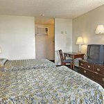 Foto van Howard Johnson Express Inn - Redding