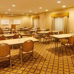 Photo de Candlewood Suites Windsor Locks