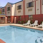 Photo de Days Inn Troy State University