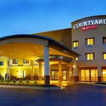 Photo of Courtyard by Marriott Waldorf