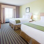 Holiday Inn Express Hotel & Suites Alvarado resmi