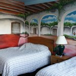 Nice room with picturest mural