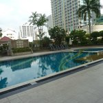 The swimming pool at level 5