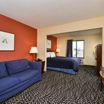صورة فوتوغرافية لـ ‪Americas Best Value Inn Morton/Peoria‬