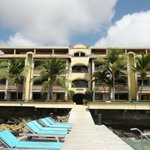 Photo de Bellafonte Luxury Oceanfront Hotel