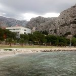 Superb backdrop to hotel Plaza, Omis.