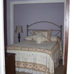 Beth's cottage accommodates up to 7 guests!