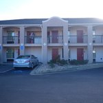 Foto van Days Inn & Suites Fort Valley