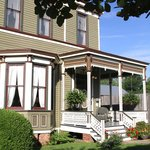 1888 Wensel House Bed and Breakfast resmi