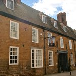 The Saracens Head Hotel resmi