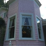 The Pink Mansion resmi