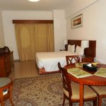Photo de Rose Garden Hotel Apartments - Bur Dubai