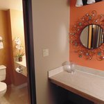 Executive Tower Vanity & Bath