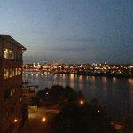 ภาพถ่ายของ Residence Inn Portland Downtown / RiverPlace