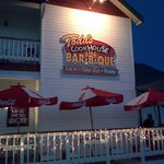 Exterior of Todd's Cookhours Barbeque, Oakhurst, CA