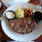 Although it specializes in seafood, the prime rib was delicious!