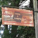 The Old Story Inn Sign
