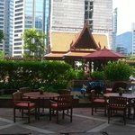 Photo de Plaza Athenee Bangkok, A Royal Meridien Hotel