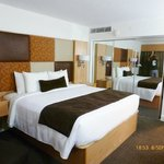 BEST WESTERN PLUS South Coast Inn resmi