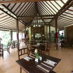 Rumah Boedi Private Residence - Borobodur - Central Java - Indonesia - Wandervibes - dining room