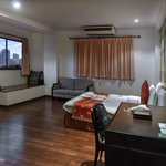 Woraburi Sukhumvit Hotel and Resort resmi
