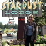 The very cool Stardust Lodge sign!