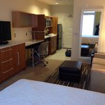 Photo de Home2 Suites by Hilton Denver West - Federal Center