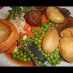 Very nice roast dinner (I had ruined the presentation though)